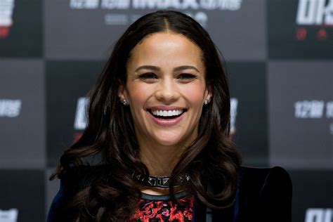 Christmas Party Dinner - paula patton at mission impossible ghost protocol premiere in seoul south korea hawtcelebs