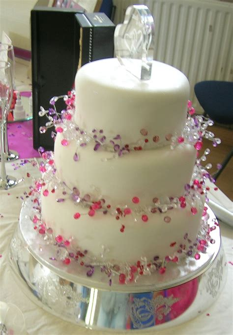 how to decorate the cake at home wedding cake decorating pictures ideas