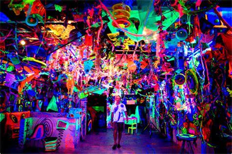 Black Light Room by 1000 Images About Black Lights