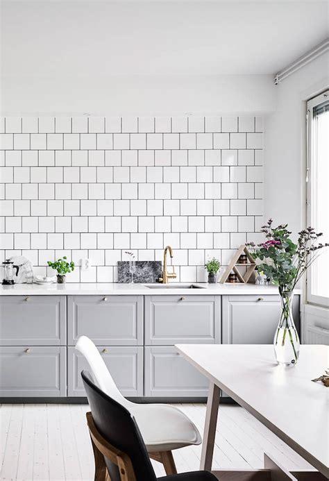 oedmansgatan   shades  grey   pop  color