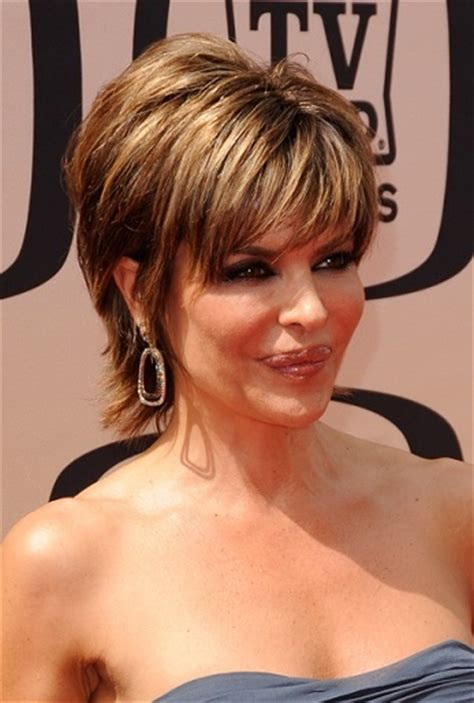 lisa rinna back of head head turning short haircuts on your favorite celebrities