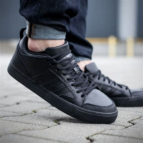 Maroo New Maunga Ii Black adidas varial ii low black is the new black