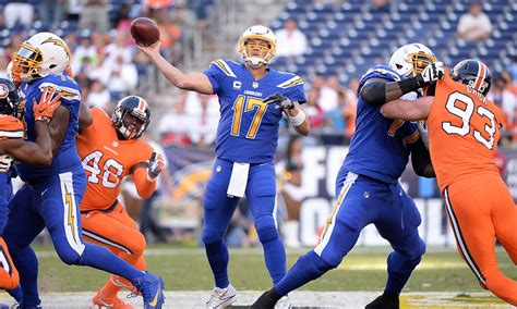 san diego chargers throwback uniforms 15 photos of the broncos and chargers gorgeous color