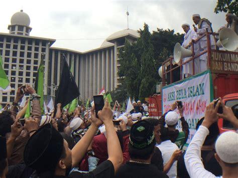 ahok melecehkan al quran saksikan 5 000 orang turun ke jalan dalam aksi bela