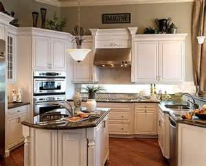 crown moulding for kitchen cabinets kitchen cabinet crown molding pictures 5 pinterest