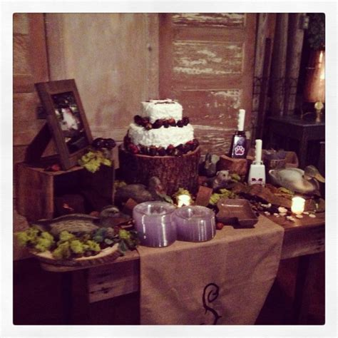 Groom Wedding Table Decorations by Best 25 Grooms Cake Ideas On Duck