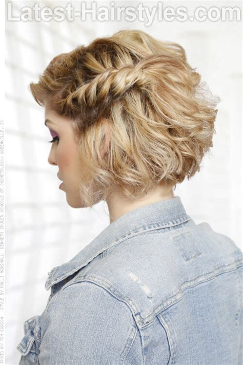 hairstyles for curly hairs in summer 15 curly hairstyles for summer zest up your look