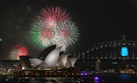 new year date australia new year s day 2016 what s open what s closed on friday