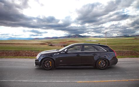 cadillac cts v wagon 2013 cadillac cts v wagon information and photos