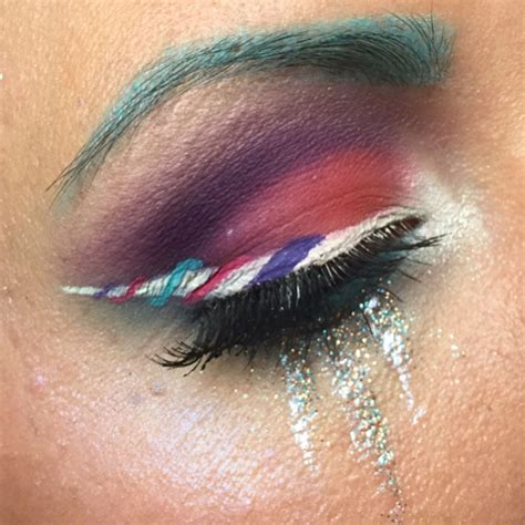 Summer 06 Makeup Trend Eyeliner by Unicorn Eyeliner Is The Most Magical Trend This