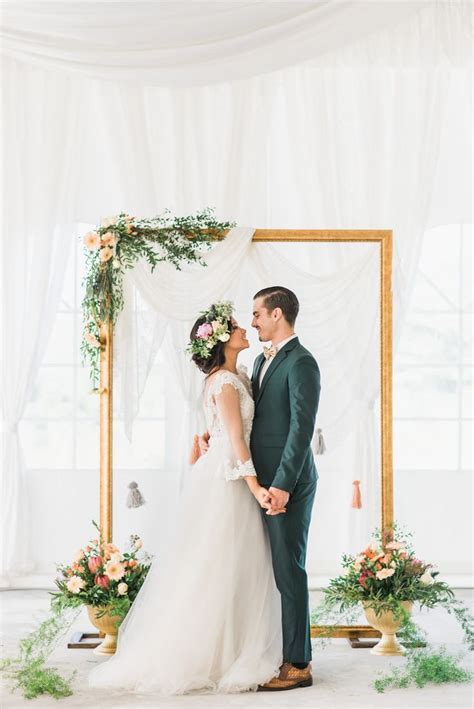25  best ideas about Wedding backdrops on Pinterest