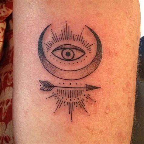 minimalist eye tattoo 44 best minimalist eye tattoos images on pinterest eye