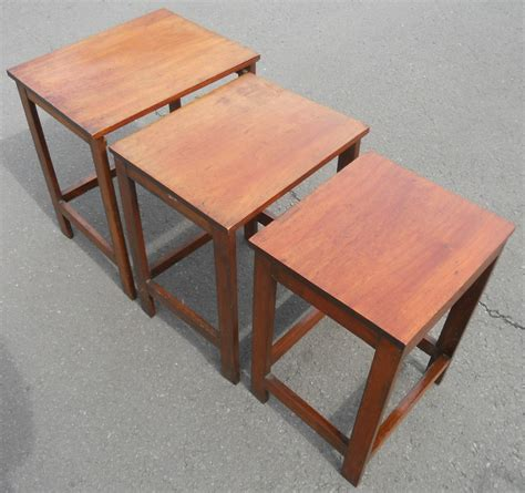 mahogany square leg nest of coffee tables