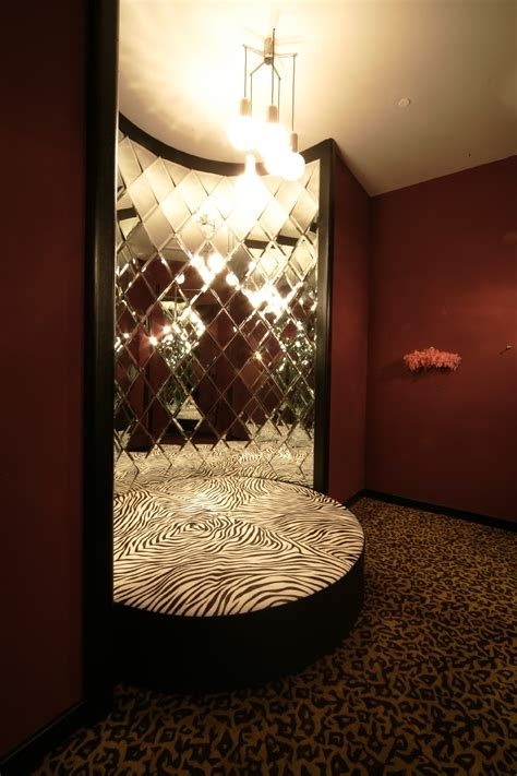 of hearts room file dressing room fitting room of hearts jpg wikimedia commons