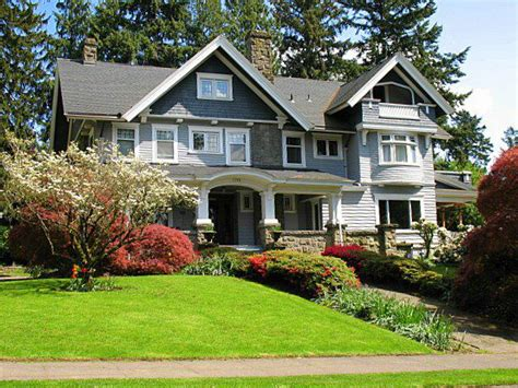 houses in oregon portland or mt tabor neighborhood home to fabulous real estate and tree lined streets