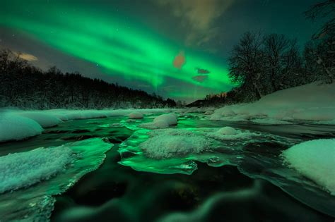 green wallpaper canada green northern lights scene360