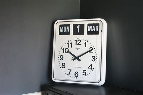 Calendar Clock Jadco Time Analogue Calendar Clock Jadco Time