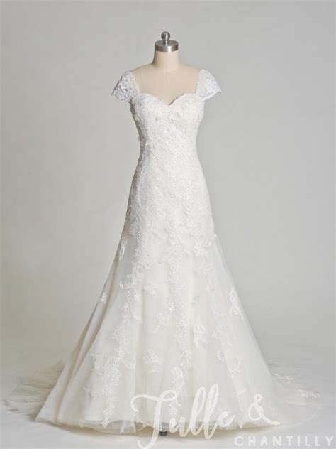 Wedding Dresses With Cap Sleeves by Dreamland Flattering Embroidered Lace Wedding Dress With