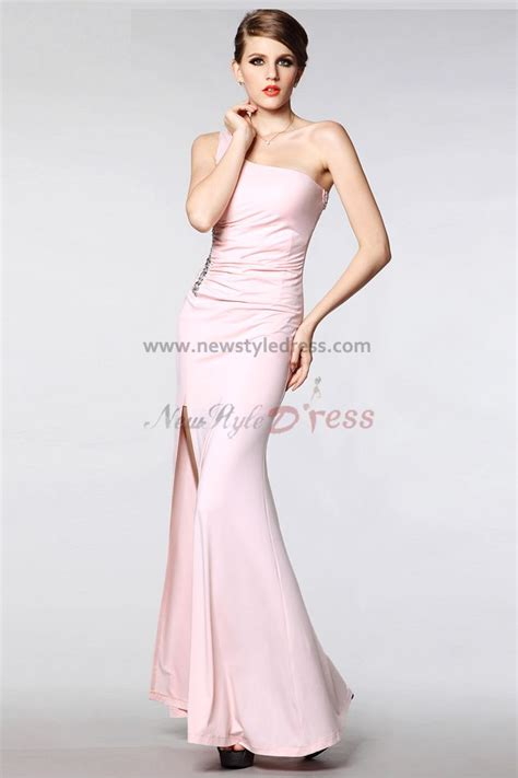 Moodpearl Pink pearl prom dress fashion show collection gossip style
