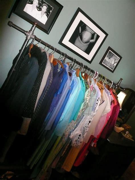 Diy Garment Rack by A Fashionista S Diy Garment Rack Thrifty Vintage