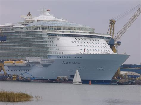 largest cruise ship being built will the biggest cruise ship ever built change cruising