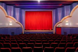 Theaters In Trailers Time Challenged By Theater Owners Trailer
