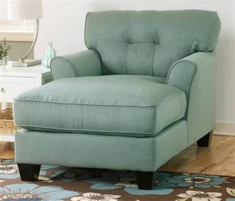 Lounge Chairs Bedroom by 25 Best Ideas About Chaise Lounge Chairs On