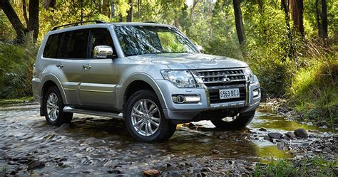 mitsubishi shogun 2015 mitsubishi pajero pricing and specifications photos
