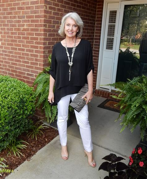pictures o clothes for 55 yras old fifty not frumpy summer staple