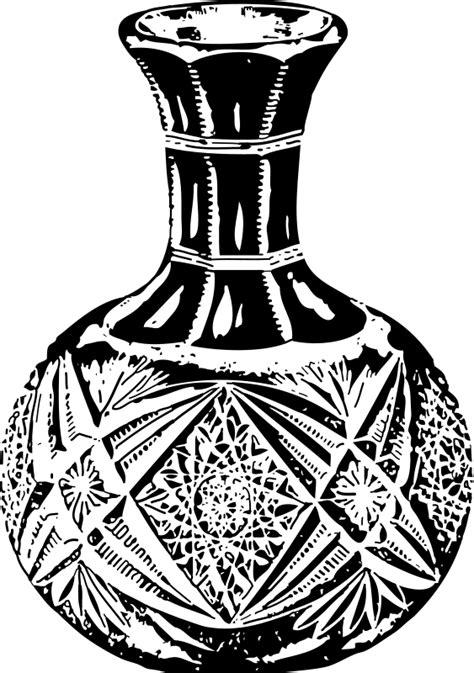 imagenes de objetos a blanco y negro imagenes sin copyright jarra de agua de vidrio en blanco