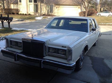 lincoln town car 1982 lincoln town car for sale