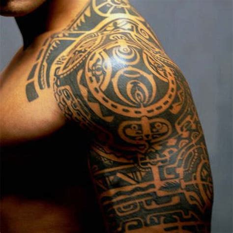 blending tribal tattoos 42 maori tribal tattoos that are actually maori tribal