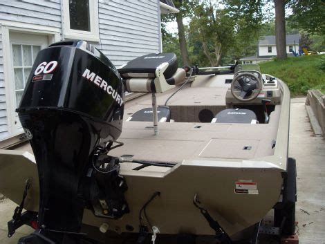 2006 lowe 175s stinger fishing boat for sale in ionia mi