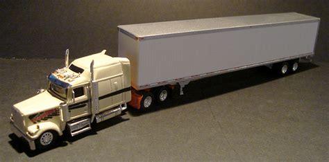 western 4900 big sleeper truck tractor