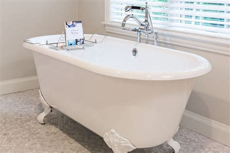 antique clawfoot bathtub to clean an antique clawfoot tub