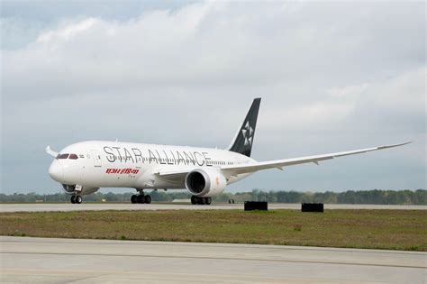 emirates star alliance air india dreamliner first in world in star alliance