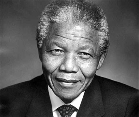 nelson rolihlahla mandela short biography biography of nelson mandela activist and politician