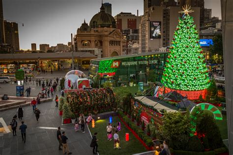 christmas house decorations melbourne eight things to do before is city of melbourne what s on