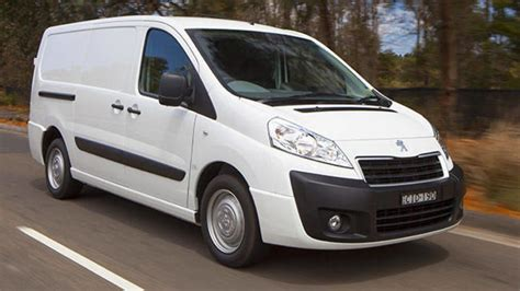 peugeot expert 2015 renault trafic short wheelbase twin turbo 2016 review
