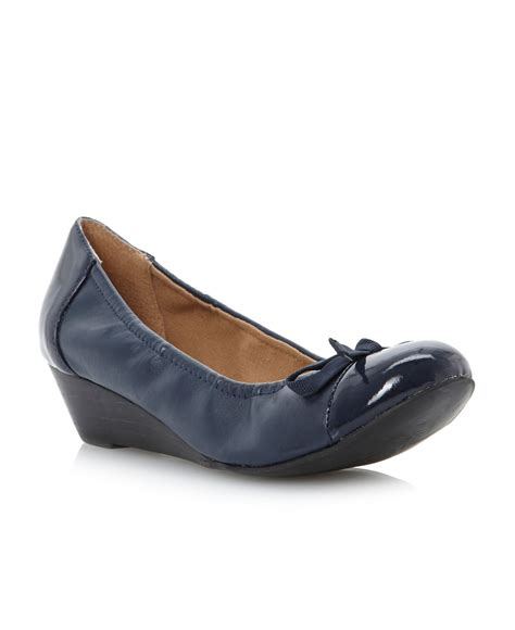 linea argyle bow trim low heel wedge shoes in blue navy