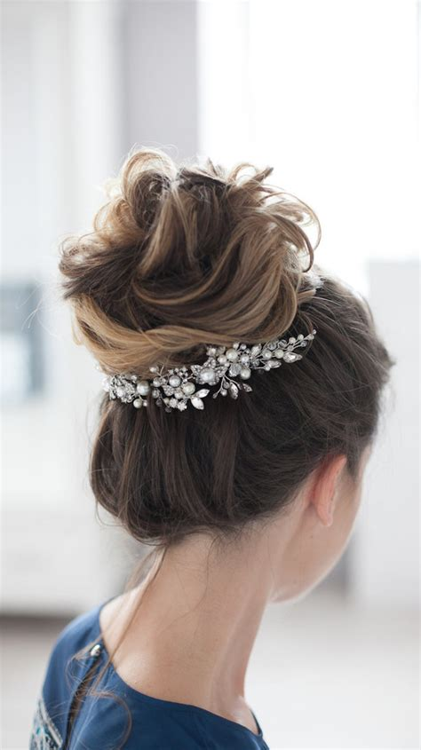 who dose updo styles in st pete beautiful bridal updos for your summer wedding belle the