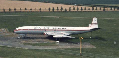 file dh106 comet 4 dan air duxford 1985 jpg wikimedia commons