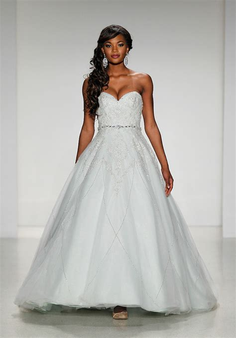 2015 Disney?s Fairy Tale Weddings Dress Collection
