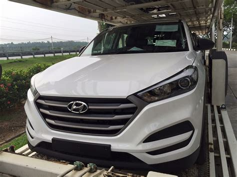 2016 hyundai tucson spotted on trailer in malaysia