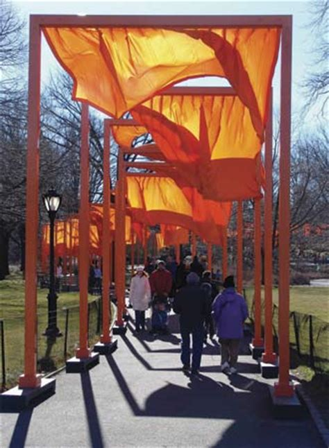 christo biography artist christo and jeanne claude environmental sculptors