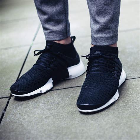 Nike Flyknite Running Black White air presto flyknit ultra