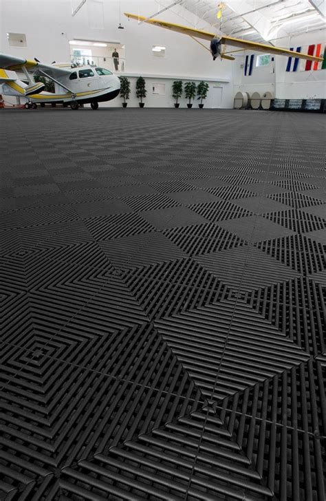 Garage Matting by 25 Best Ideas About Rubber Garage Flooring On Rubber Flooring Home Gyms And