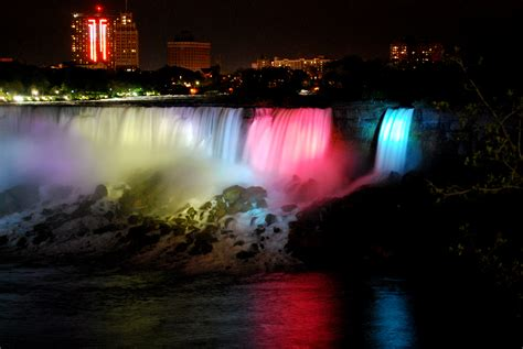 niagara falls night niagara falls whatabsees