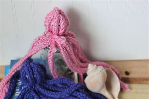 knitted octopus diy finger knit octopus craft honest to nod