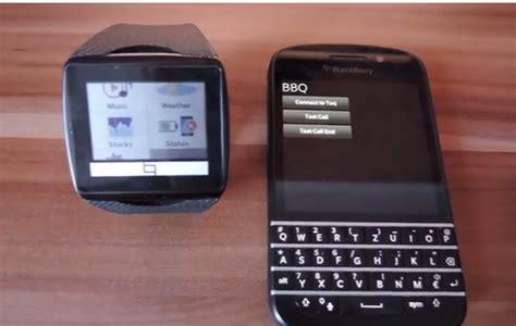 Smartwatch Blackberry qualcomm toq smartwatch compatible with blackberry 10 blackberry empire